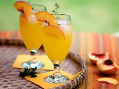 Персиковой коктейль Беллини
