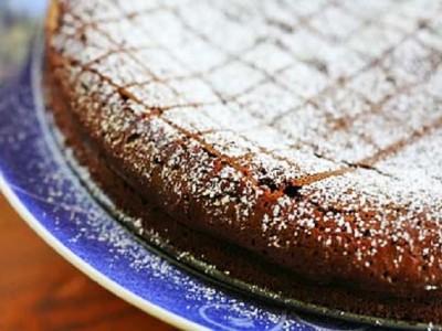 Шоколадный пирог с корицей и перцем чили