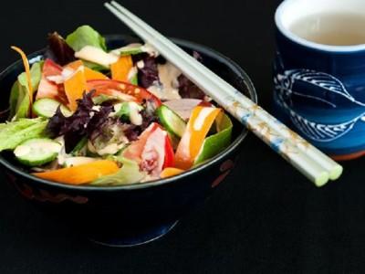 Салат с заправкой из мисо пасты