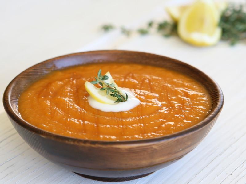 Морковный суп с апельсиновым соком и ветчиной