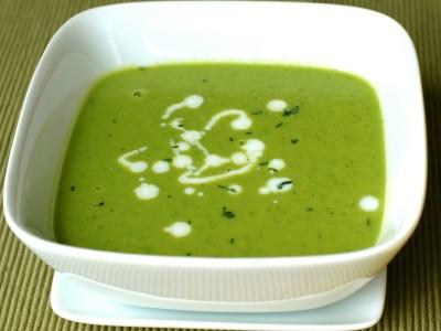 Суп из зеленого горошка с ароматной петрушкой