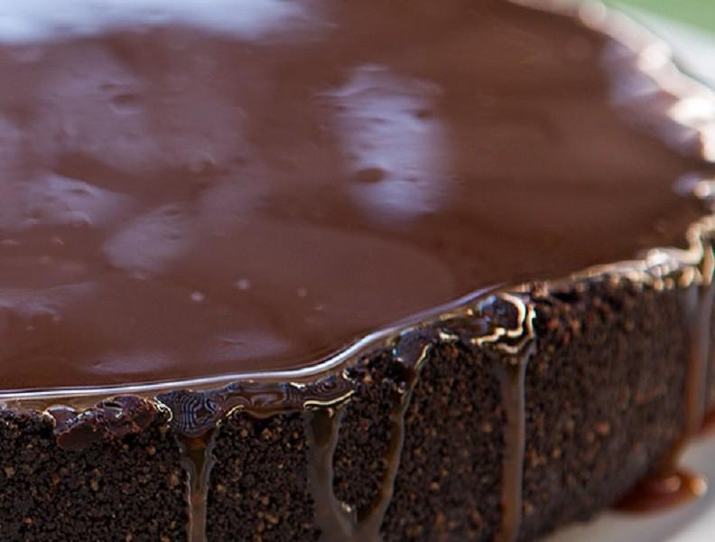 Шоколадный торт с шоколадным ганашем