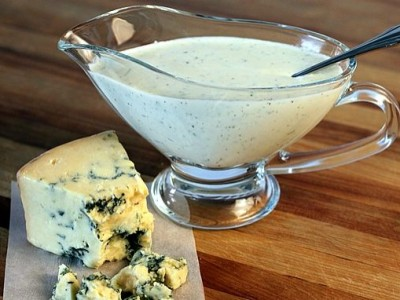 Сырная заправка для салата