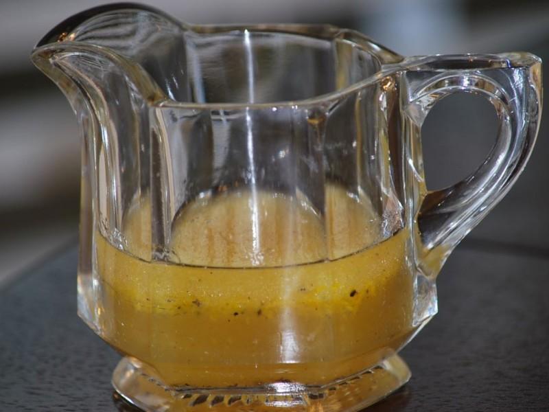 Заправка из бальзамического уксуса и оливкового масла