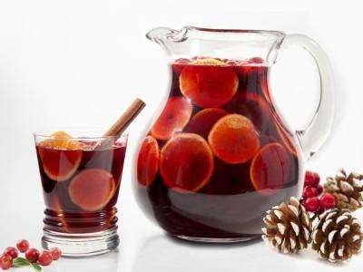 Коктейль Сангрия — сладкое сочетание фруктов