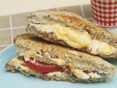 Сэндвич с сыром рикотта