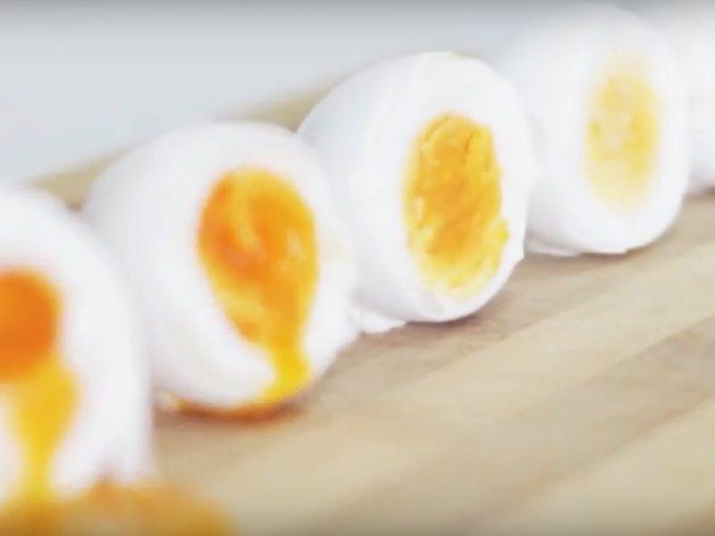 Варим яйца всмятку или вкрутую +видео